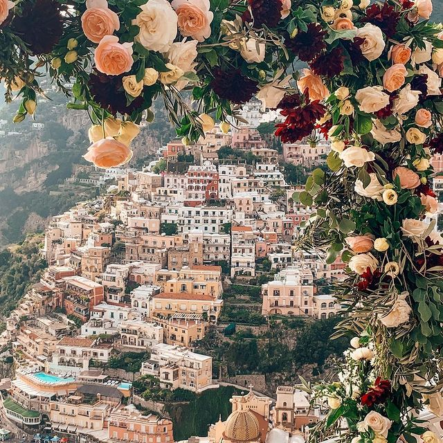 May is the month of the roses and their fragrance is even more charming in a place like Positano ?? * * ? @nickipositano #enjoythecoast #positano #positanoitaly #instapositano #amalficoast #best_amalficoast #costieraamalfitana #positanoamalficoast #igersitalia #italy_vacations #rose #italytrip #bestplacesmagazine #destinationearth #flower