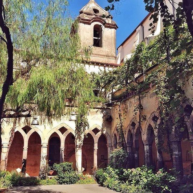 Can't wait to visit Sorrento and its beauties with our favourite travel companions! Mention them ???? ? Cloisters of San Francesco * * ? @fabio.formato #enjoythecoast #sorrento #positanoitaly #instasorrento #sorrentocoast #best_sorrentocoast #costierasorrentina #positanoamalficoast #igersitalia #italy_vacations #traveltheworld #italytrip #bestplacesmagazine #cloisters #earthpix #awesome_earthpix #bestitaliansites