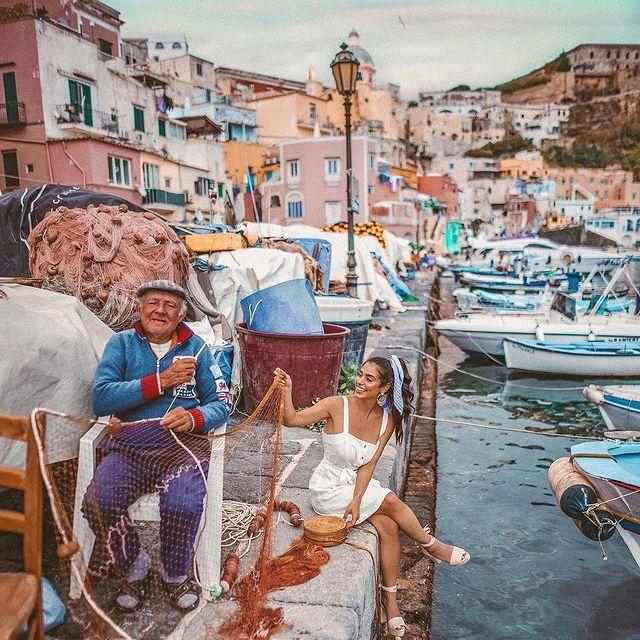 "The heart of Procida is ""La Corricella"": an old fishermen's village. Are you ready to discover it? ? ? ? Photo by @nicoleisaacs * * #enjoythecoast #procida #procidaisland #lacorricella #Italiancapitalofculture #lightblue #awesomeearth #islandprocida #bestplacesmagazine #italy_vacations #italiainfoto #procidaitaly #ig_italy #italytrip #wonderful_places #italian_places #best_italiansites #igersitalia #italy_vacations #traveltheworld #italytrip #destinationearth #earthpix #awesome_earthpix #bestitaliansites #ilpostino"