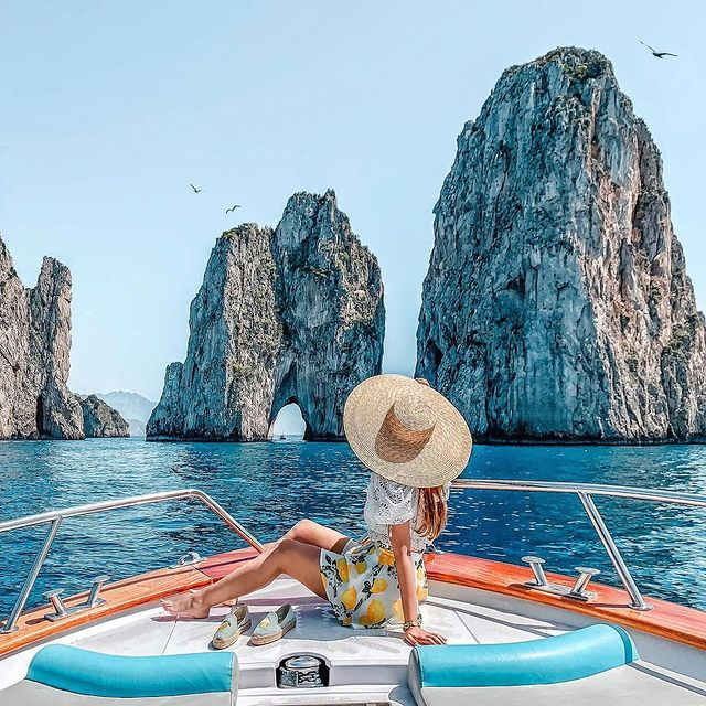 In Capri the temperatures are already perfect to do a boat tour with your favourite travel buddy. Tag him/her below. ? ? ?? ? @kreshabajaj * * #enjoythecoast #capriisland #lightblue #best_capri #awesomeearth #islandcapri #bestplacesmagazine #italy_vacations #italiainfoto #capriitaly #ig_italy #italytrip #wonderful_places #italian_places #best_italiansites #capri #faraglioni #awesome_earthpix #bestplacestogo