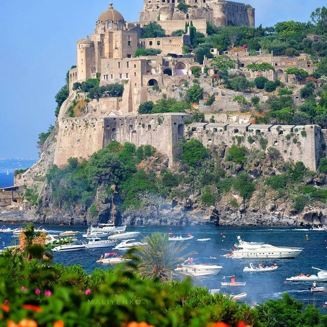 The Aragonese castle of Ischia represents 25 centuries of history between churches, convents, prisons, luxurious gardens and breath-taking views, suspended between the sky and the sea in a timeless atmosphere ?? @maliyenko3217 *#enjoythecoast #ischia #ischiaisland #lightblue #best_ischia #awesomeearth #ischiaisland #bestplacesmagazine #italy_vacations #italiainfoto #ischiaitaly #ig_italy #italytrip #wonderful_places #italian_places #best_italiansites #awesome_earthpix #bestplacestogo #ischiaponte #island #sea