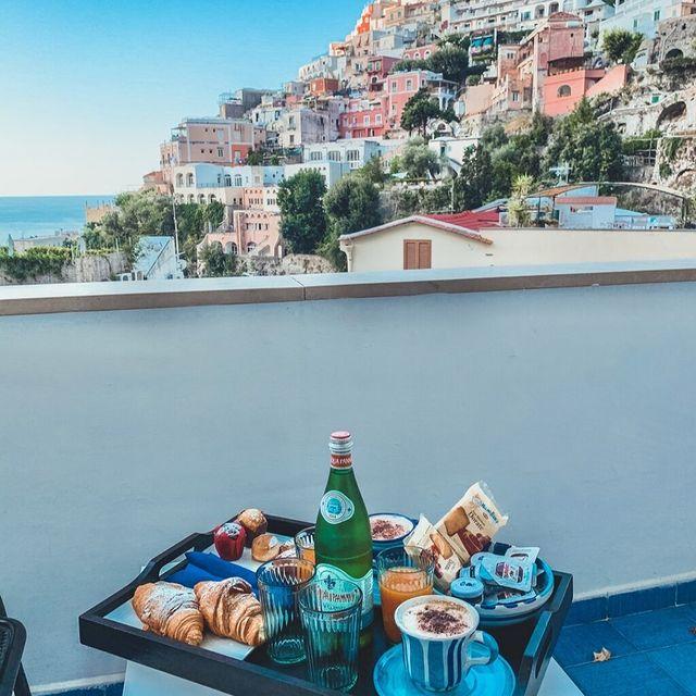 """Today's goals: Coffee and kindness. Maybe two coffees, and then kindness."" ☕ ✍️ Nanea Hoffman? @labougainvillehotel *#enjoythecoast #positano #positanoitaly #instapositano #amalficoast #best_amalficoast #costieraamalfitana #positanoamalficoast #igersitalia #italy_vacations #traveltheworld #italytrip #bestplacesmagazine #destinationearth #earthpix"