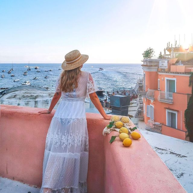 ? PositanoEvery trip is even more enjoyable if shared with the people you love ?Be like @im_eleonora and share with us the photos of your fantastic travels in our land ?? *#enjoythecoast #positano #positanoitaly #instapositano #amalficoast #best_amalficoast #costieraamalfitana #positanoamalficoast #igersitalia #italy_vacations #traveltheworld #italytrip #bestplacesmagazine #destinationearth #earthpix